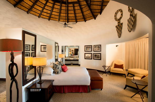 The stunning Guest Suite offered at Dulini River Lodge.